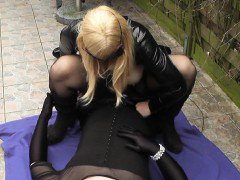 Outdoor gangbangs with transvestites and crossdressers