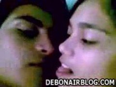young indian lovers from bhilai smooch