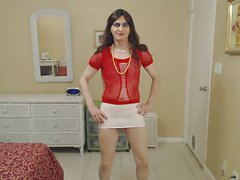 Susie Que XXX Dances in Red and White Outfit