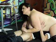 Hardcore face queening with strict BBW domme
