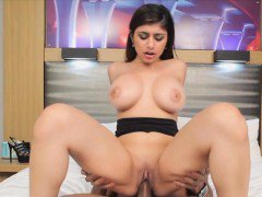 Luscious horny chick Mia Khalifa wanted it hard