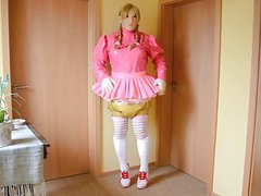 Shemale Sissy in short Skirt and Diapers