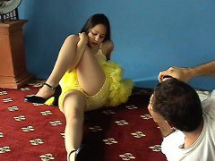 Dark-Haired try out sweety requires of her orange get fitte