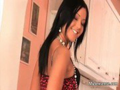 Euro babe Angelica Heart loves giving
