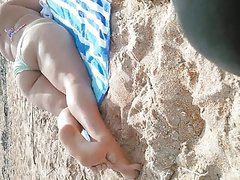 Candid beach bbw with fat ass and cute soles pt2