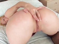Sexy Big Butt Blonde Take A Black Dick Up Her Ass