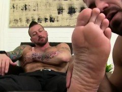 Free gay feet cock Hugh Hunter Worshiped Until He Cums