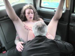 Nasty woman banged and jizzed on pussy by the driver