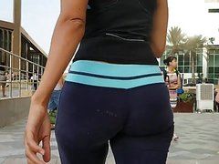Candid soft jiggly ass in sweats!!