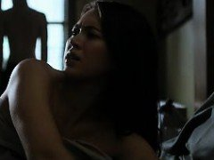 Jessica Henwick quick tits in sex scene