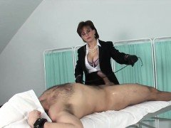 Cheating british mature lady sonia exposes her large melons