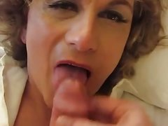 Mature mother at lesbian sex with young daughter