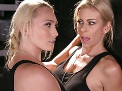 Blonde lesbian soldiers caught on - AJ Applegate,Alexis Fawx