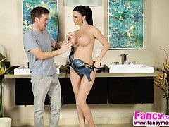 Busty and gorgeous Jasmine Jae gets banged by Ryan Ryder