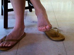 Candid asian library queen feet an Shonda from dates25com