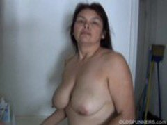 Beautiful mature babe has lovely big tits