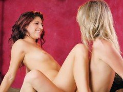 Lesbian Models Make Each Other Squirm And Squirt