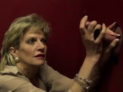 Unfaithful british mature lady sonia displays her gigantic n