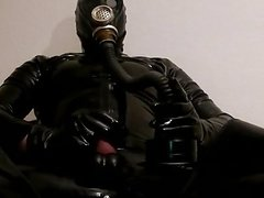 Again, cumshot in Gasmask, Latex and Rubber