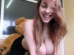 Teen Performing Her Live Cam Sex Show