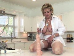 Adulterous british mature lady sonia reveals her gigantic bo