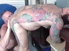 Tattoo daddy bareback fucked by in warehouse