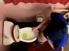 Men masturbation pissing gay Unloading In The Toilet Bowl