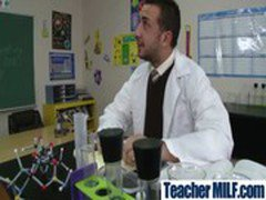 Hard Fucking Between Teachers And Students video-28