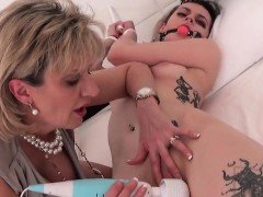 Unfaithful british mature lady sonia exposes her gigantic bo