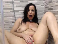 Cute Big Tits Milf Toys Herself On Webcam