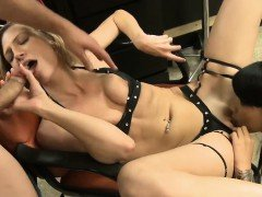Skinny blonde babe fucked in the salon with skinny babe