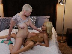Riley Nixon and Elsa Jean liked clit to clit fucking in bed