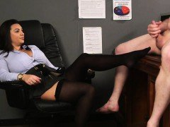 Curvy english voyeur instructs guy with JOI