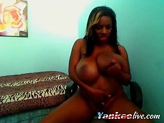 Webcam busty ebony babe with huge boobs and big butt teasing