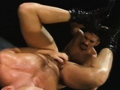 Male slave fisted video gay xxx Club Inferno's own