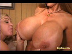 Huge breasts lesbian babes sex