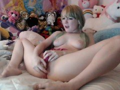 Pussy toying solo teen getting her orgasm