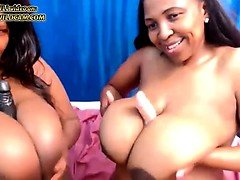 Huge boobs lesbians on webcam - THEWILDCAM. COM
