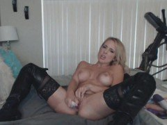 Hot Blonde Milf Loves Ass And Fucking Her Pussy