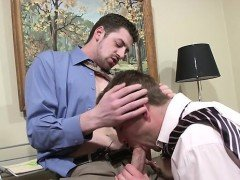 Homo men using the office as their ground during anal xxx