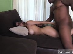 Arab threesome Mia Khalifa Tries A Big