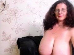 Mature With Big Breast Stripping On Webcam