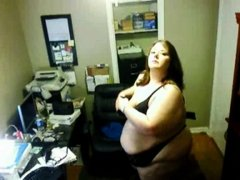 Solo 78 (SSBBW) Showing off her Body on Webcam
