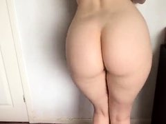 Shake ass session by hot brunette with purple panties