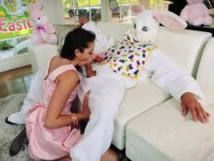 Pretty teen babe sucks off and pounded by easter bunny