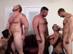 Naked hunks fuck and suck one another's jock in insane orgy