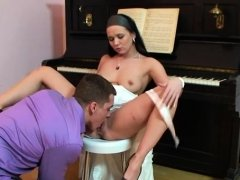 Older pornstar gets up and gives a steamy blow job job