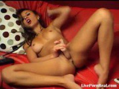 hot brunette playing with herself with pleasure(2).flv
