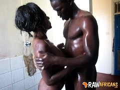 Amateur slut from Zambia takes huge facial
