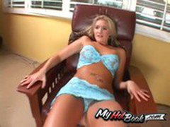 Daryn Darby is a gorgeous blonde teen  who has a c